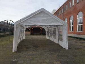 Partytent 8 x 4 compleet